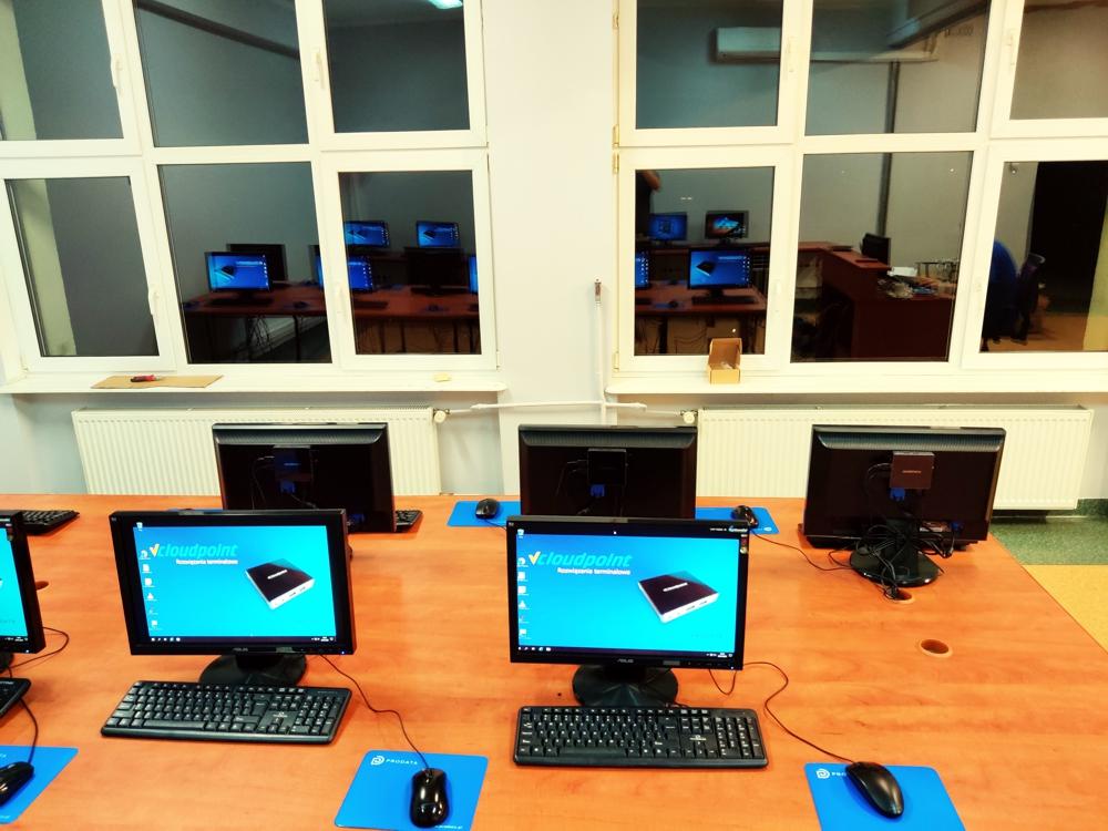 Stanowiska terminalowe vCloudPoint - pracownia komputerowa w szkole podstawowej