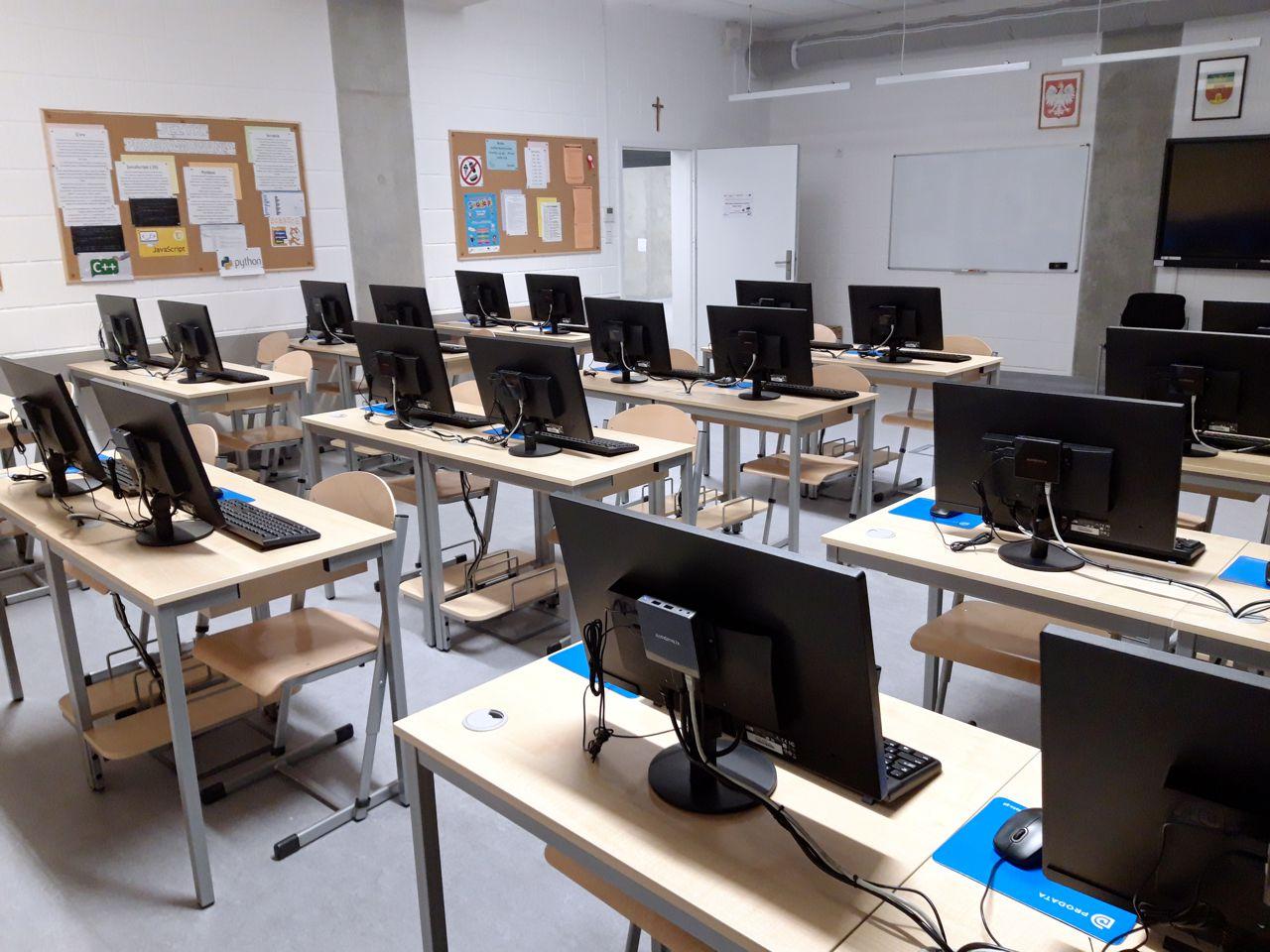Marki - Szkoła Podstawowa ma nową pracownię terminalową vCloudPoint