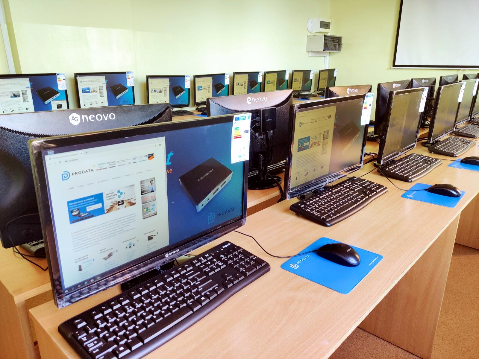 Pracownia terminalowa - terminale komputerowe vCloudPoint w Głuchowie