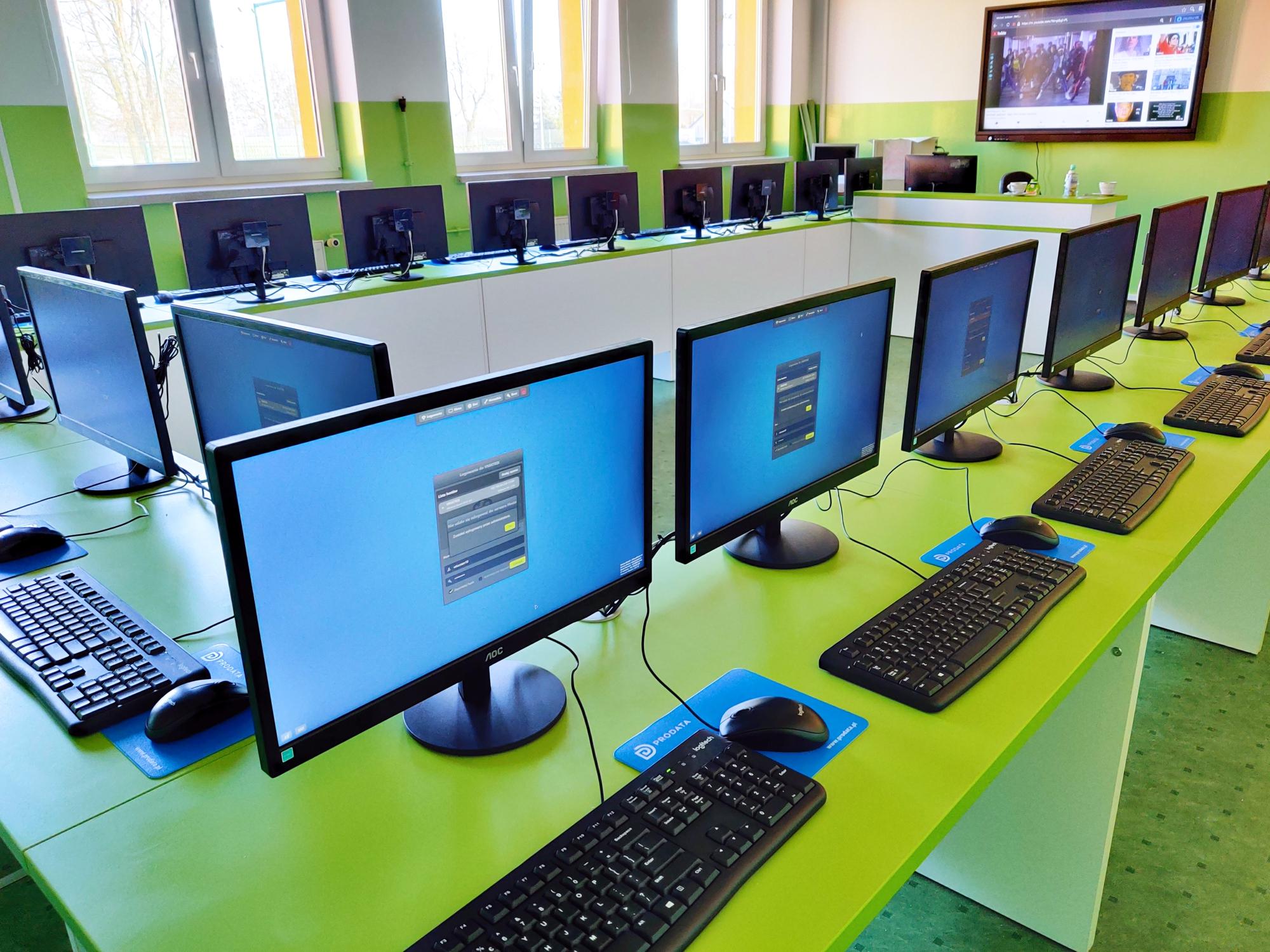 Pracownia terminalowe w Szkole Podstawowej w Naruszewie - terminale vCloudPoint