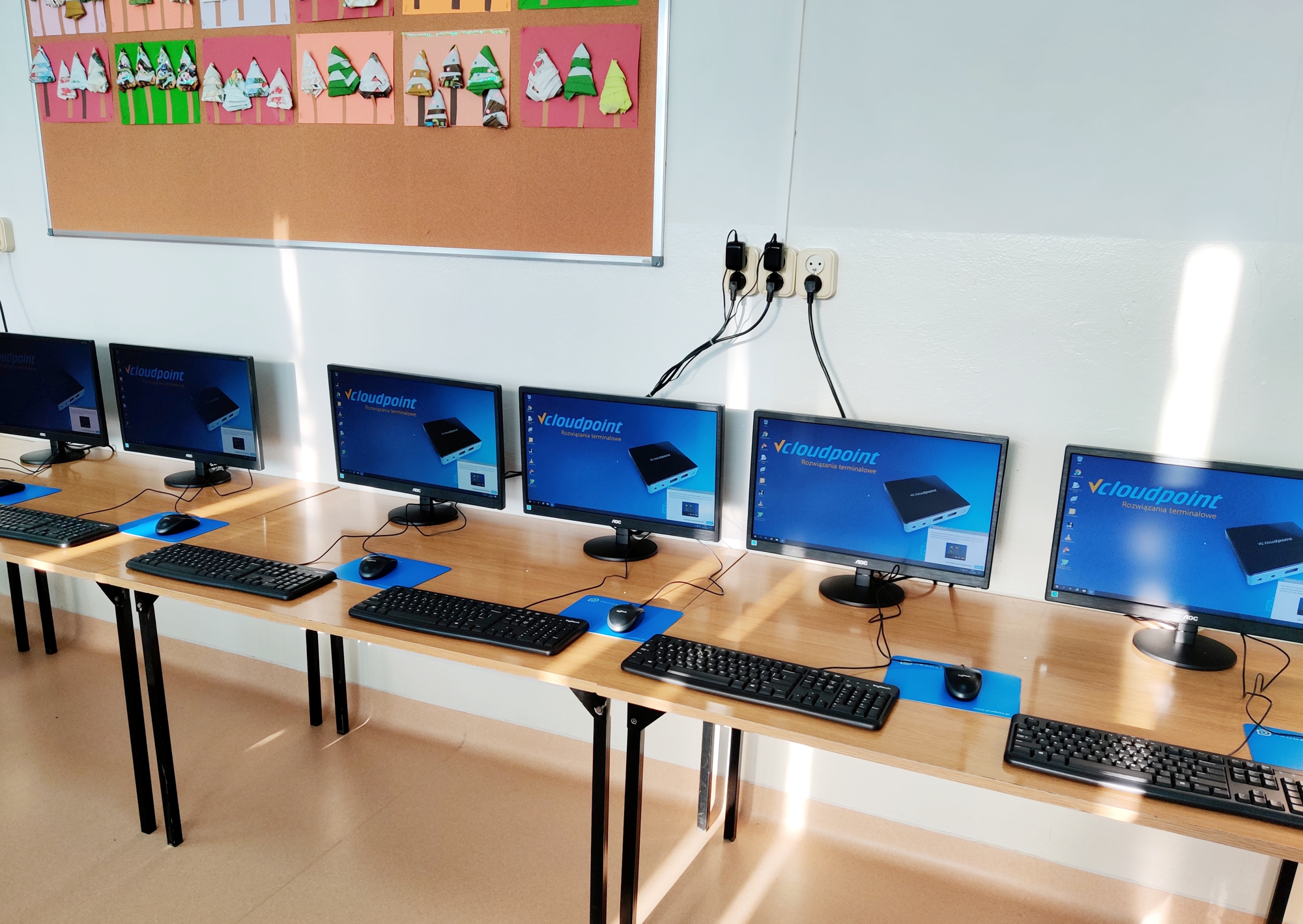 Pracownia terminalowa vCloudPoint w Szkole Podstawowej w Ostrówku