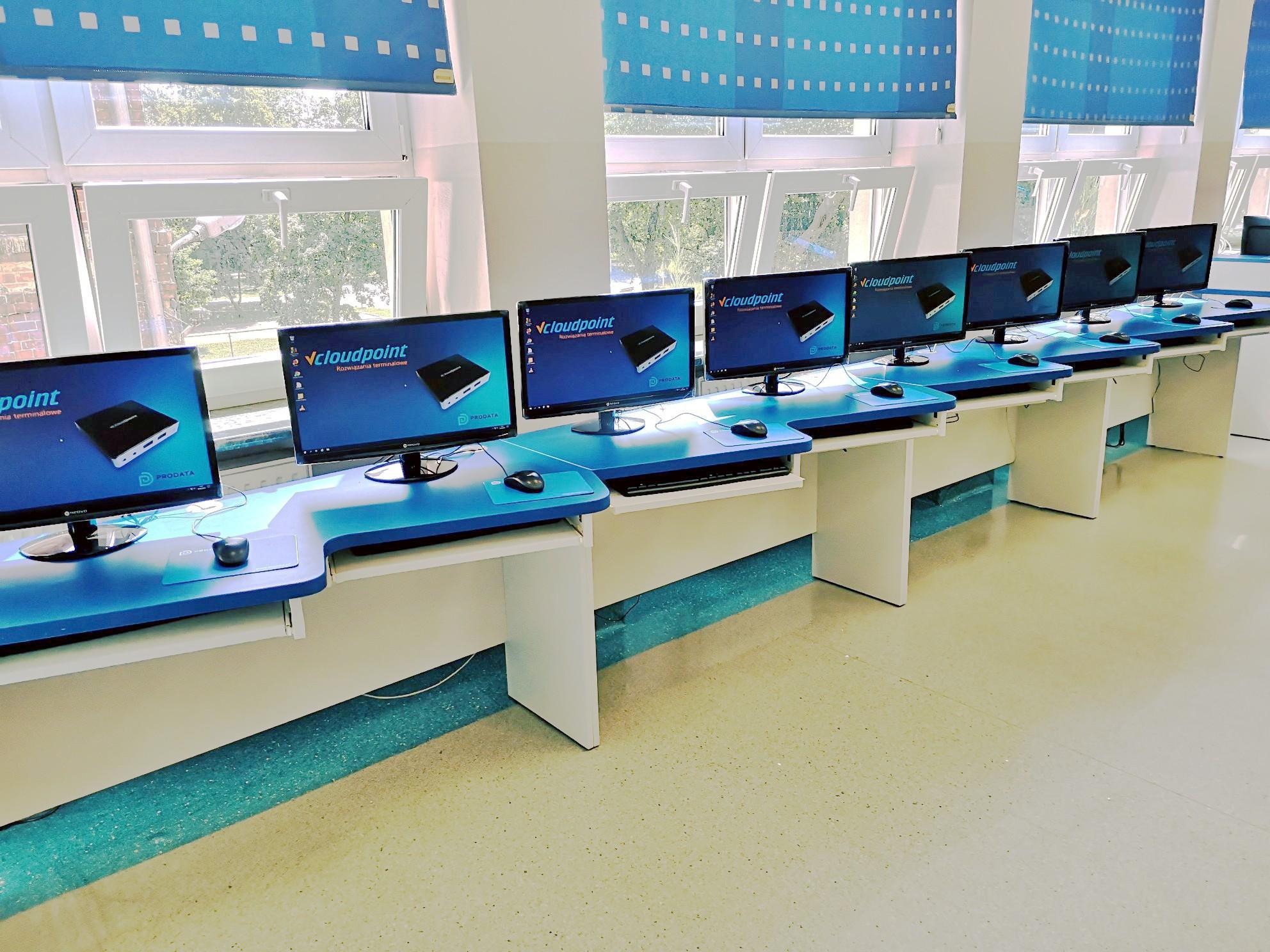 Pleszew - pracownia komputerowa vCloudPoint - terminale V1