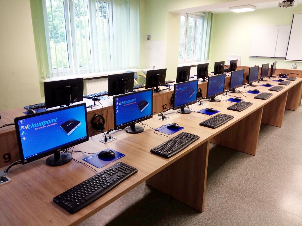 PWSZ w Koninie - terminale vCloudPoint w pracowni komputerowej językowej