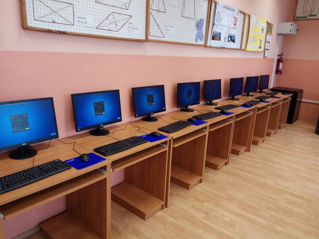 szkolna pracownia komputerowa - terminale vCLoudPoint w Wólce Radzymińskiej